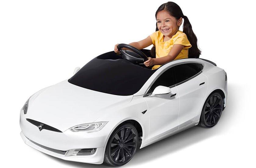 Xe đồ chơi từ Tesla.