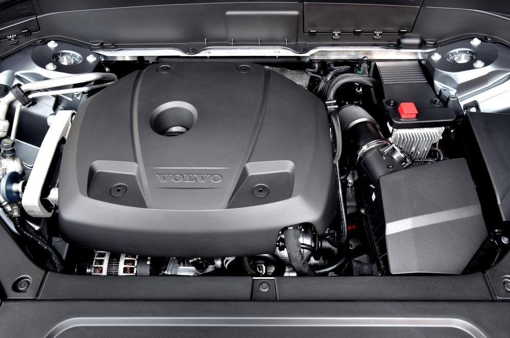 Động cơ xe Volvo XC90 2021.