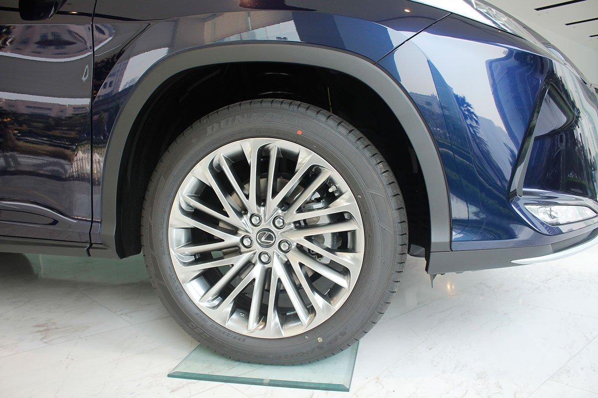 Ảnh chụp la-zăng xe Lexus RX350 2020