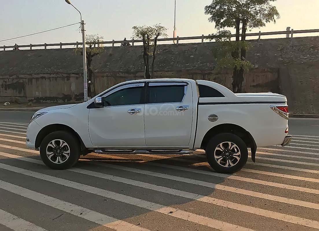 Bán Mazda BT 50 2.2L 4x2 AT năm 2016, màu trắng, nhập khẩu số tự động (2)