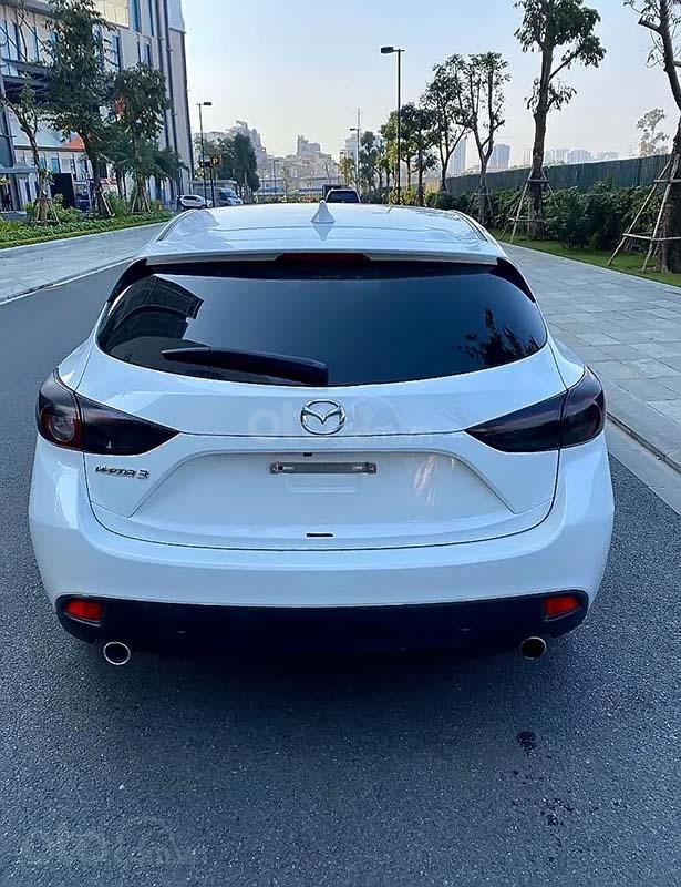 Cần bán xe Mazda 3 đời 2015, màu trắng như mới giá cạnh tranh (2)