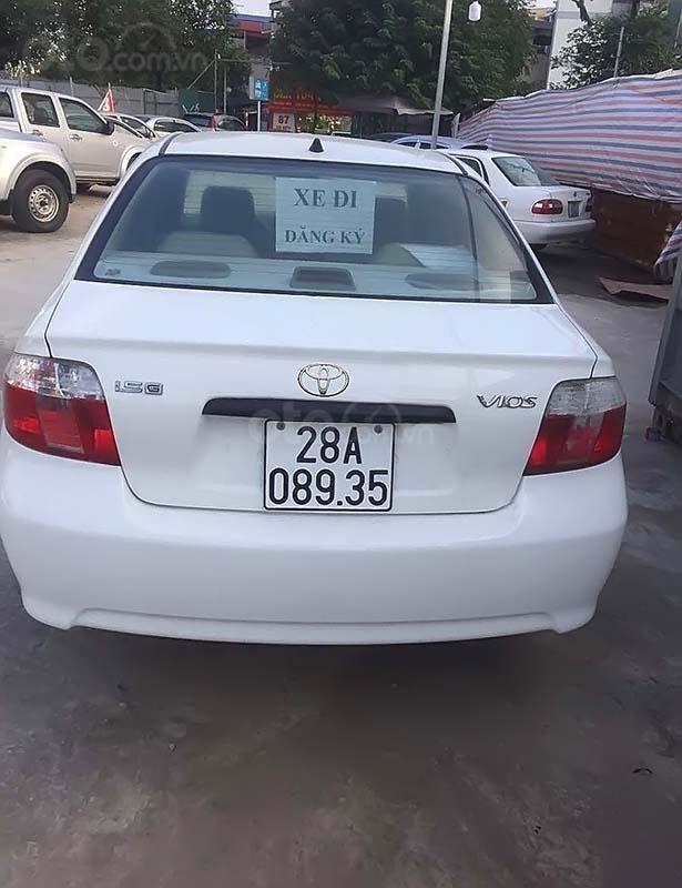 Cần bán Toyota Vios 1.5 MT sản xuất 2005, màu trắng xe gia đình (2)