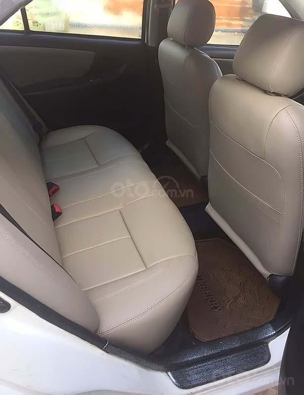 Cần bán Toyota Vios 1.5 MT sản xuất 2005, màu trắng xe gia đình (5)