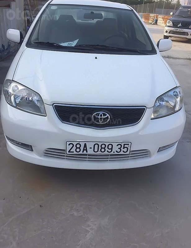 Cần bán Toyota Vios 1.5 MT sản xuất 2005, màu trắng xe gia đình (1)