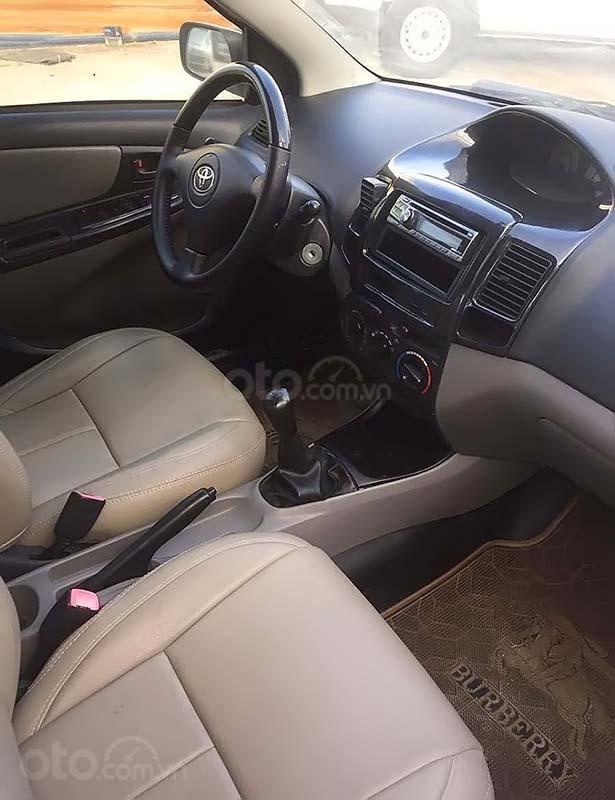 Cần bán Toyota Vios 1.5 MT sản xuất 2005, màu trắng xe gia đình (4)