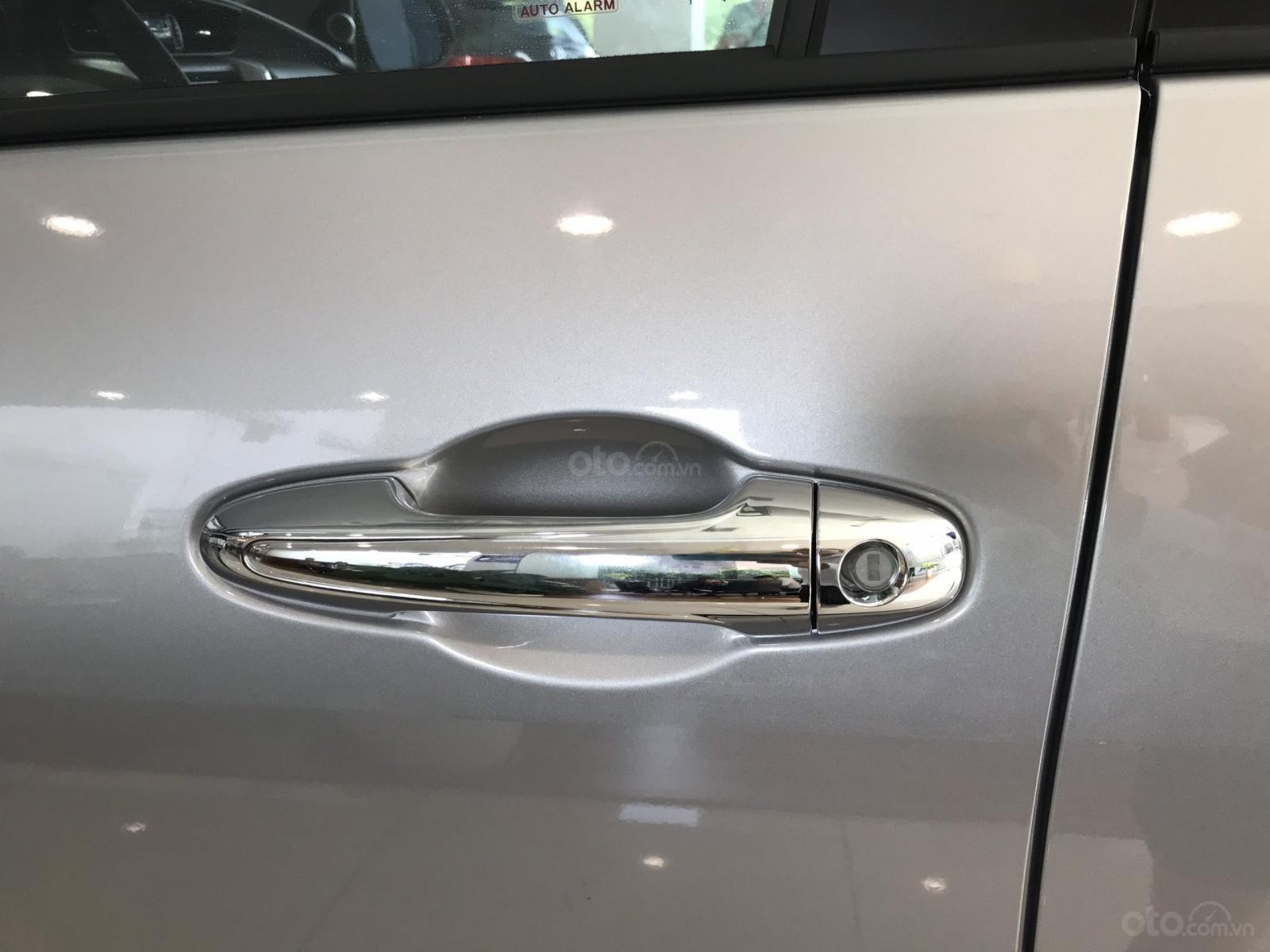 Bán Toyota Fortuner 2.4 4x2 tự động - km cực sốc cuối năm - Trả trước chỉ từ 280tr - liên hệ ngay 0932559525 (10)