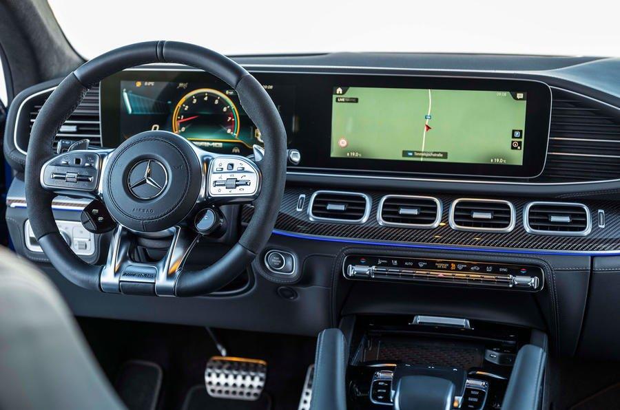 Đánh giá xe Mercedes-AMG GLE 53 2020: cận cảnh bảng táp-lô