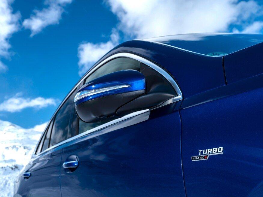 Đánh giá xe Mercedes-AMG GLE 53 2020: gương chiếu hậu