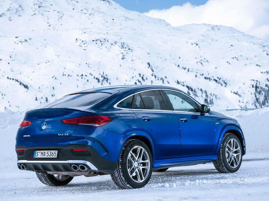 Đánh giá xe Mercedes-AMG GLE 53 2020: góc 3/4 đuôi xe
