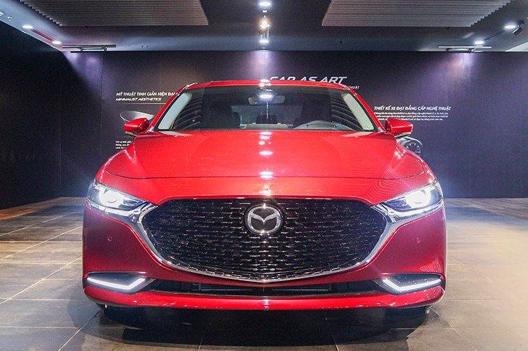 So sánh xe Mazda 3 2020 và Honda City 2020 về thiết kế đầu xe a1