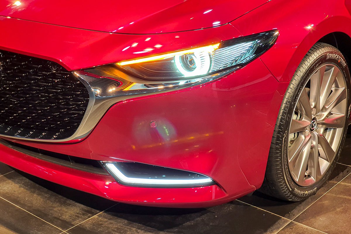 Thiết kế đèn pha xe Mazda 3 2020 1