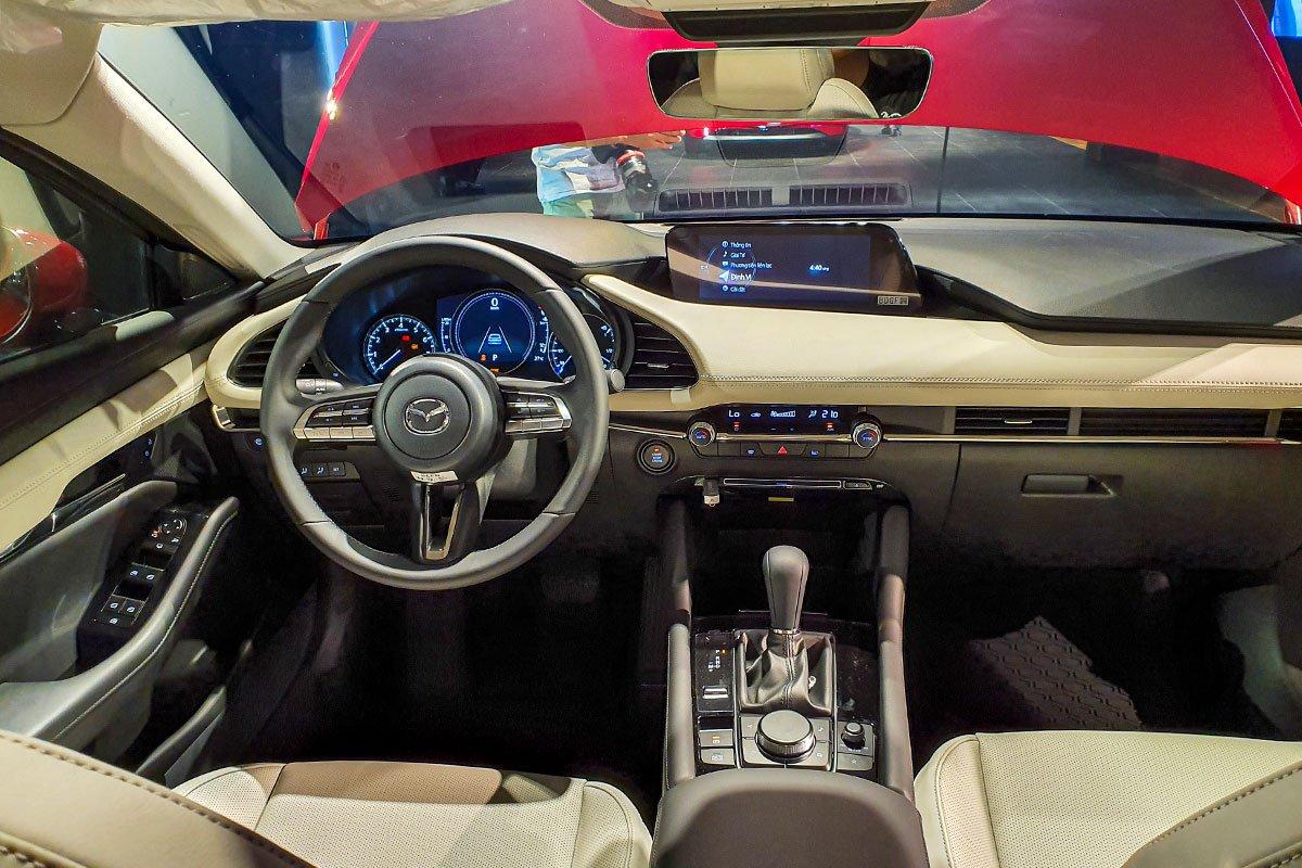 So sánh xe Mazda 3 2020 và Honda City 2020 về bảng táp-lô a1