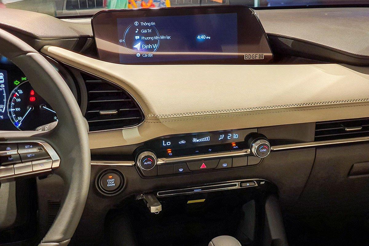 Các trang bị tiêu chuẩn trên xe Mazda 3 2020: Màn hình giải trí 1