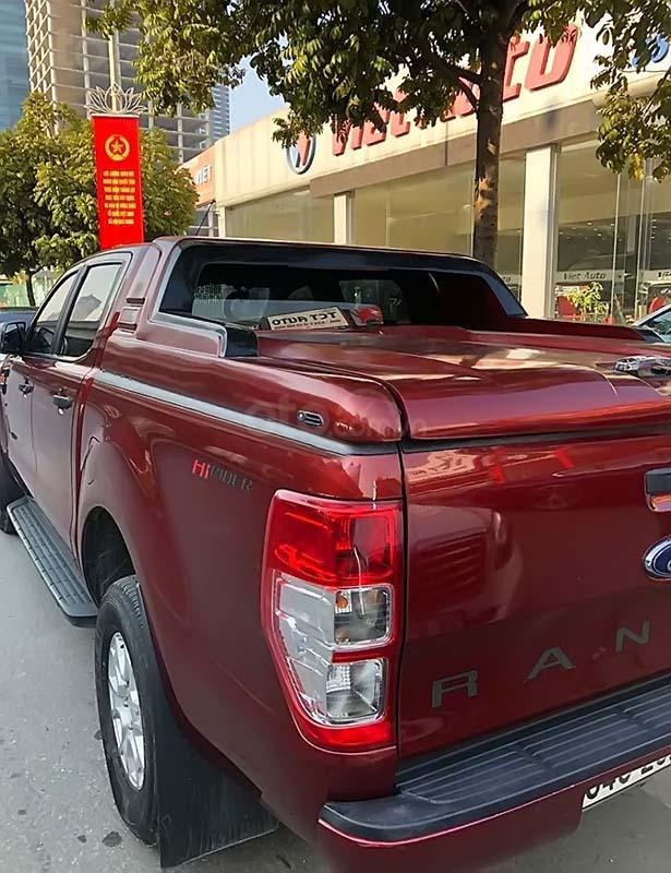 Cần bán xe Ford Ranger XLS 2.2L 4x2 AT năm 2017, màu đỏ, nhập khẩu (2)