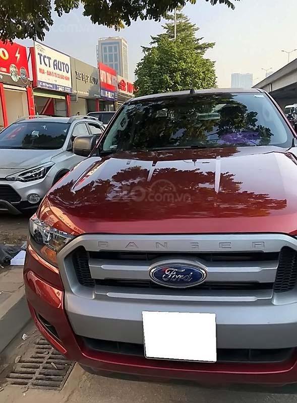 Cần bán xe Ford Ranger XLS 2.2L 4x2 AT năm 2017, màu đỏ, nhập khẩu (1)