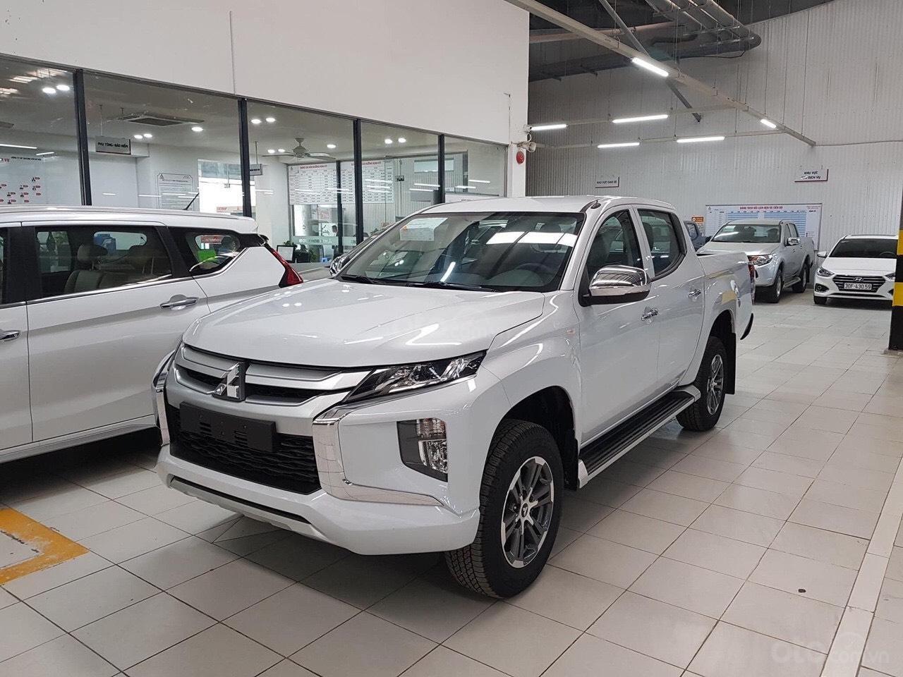 Gấp gấp, Mitsubishi Triton 4x4AT Mivec giá siêu sốc, xe sẵn giao ngay liên hệ 0977242095 để nhận ưu đãi tốt hơn nữa (2)