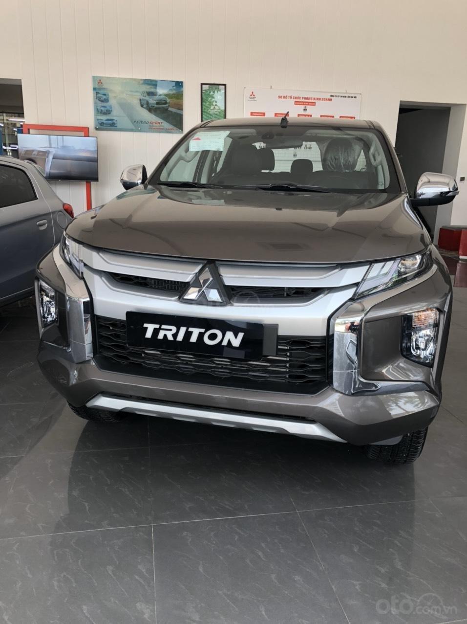 Gấp gấp, Mitsubishi Triton 4x4AT Mivec giá siêu sốc, xe sẵn giao ngay liên hệ 0977242095 để nhận ưu đãi tốt hơn nữa (14)