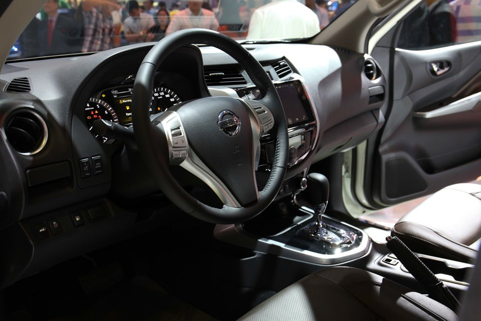 Nội thất xe Nissan Terra 2021.
