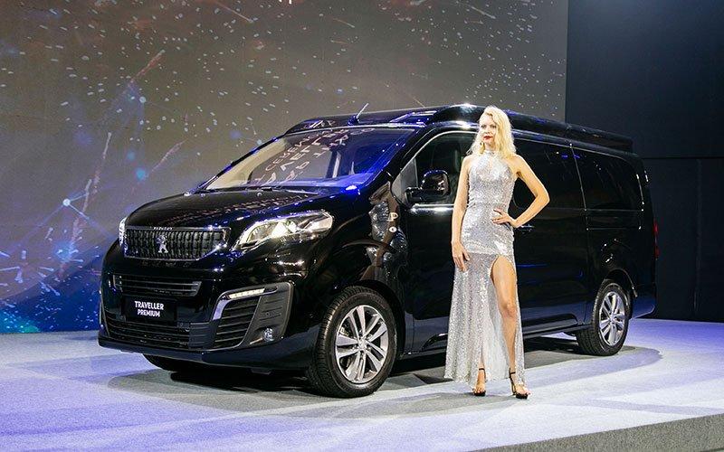 Ngoại thất xe Peugeot Traveller 2020 a4