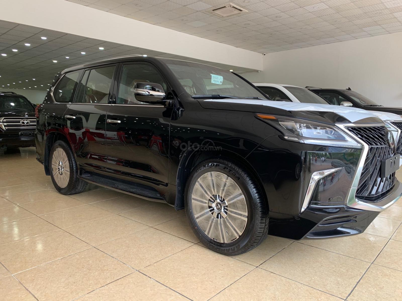 Cần bán Lexus LX570 Super Sport đời 2019, màu đen, nhập khẩu bản cao cấp nhất (4)