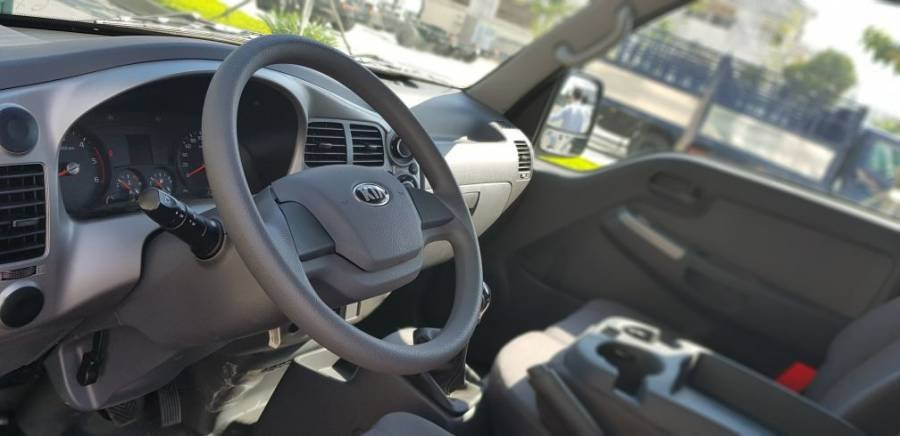 Mua xe trả góp: Kia Frontier K200 sản xuất 2018, màu trắng (5)