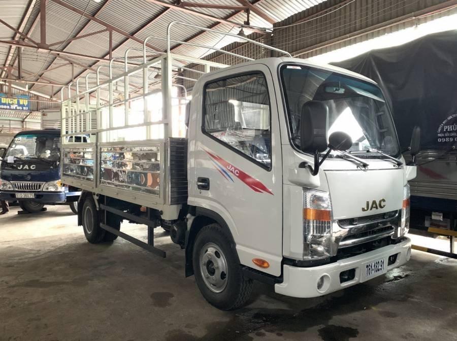 Chỉ với 150 triệu trả trước - Nhận xe JAC HFC N200 sản xuất 2019, màu trắng (1)