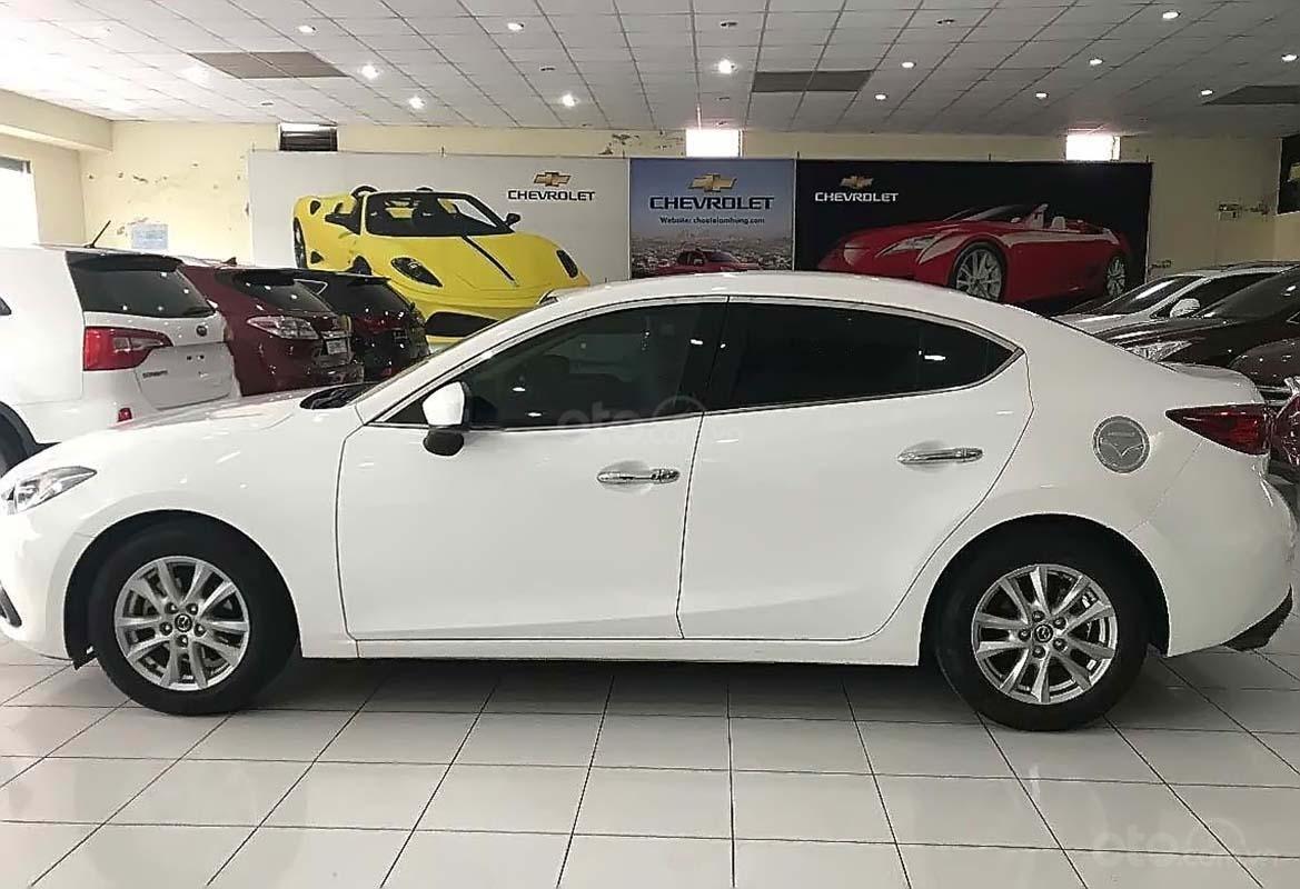 Bán Mazda 3 1.5 AT sản xuất năm 2017, màu trắng (4)