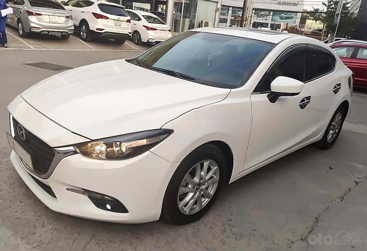 Cần bán xe Mazda 3 1.5 AT 2018, màu trắng (1)