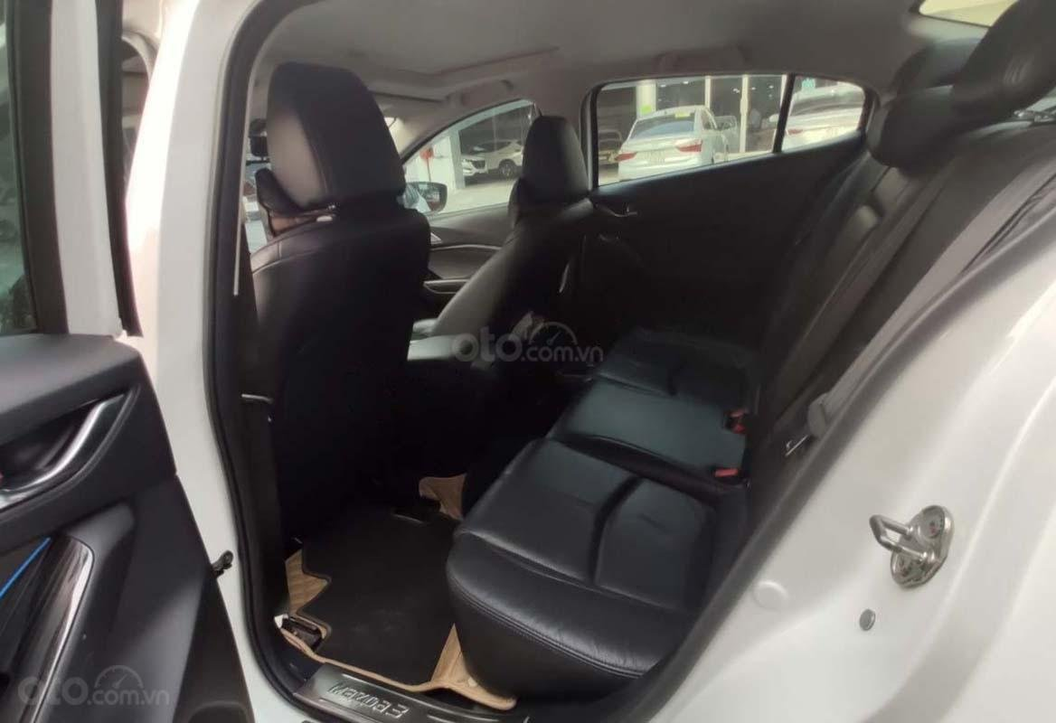 Cần bán xe Mazda 3 1.5 AT 2018, màu trắng (2)