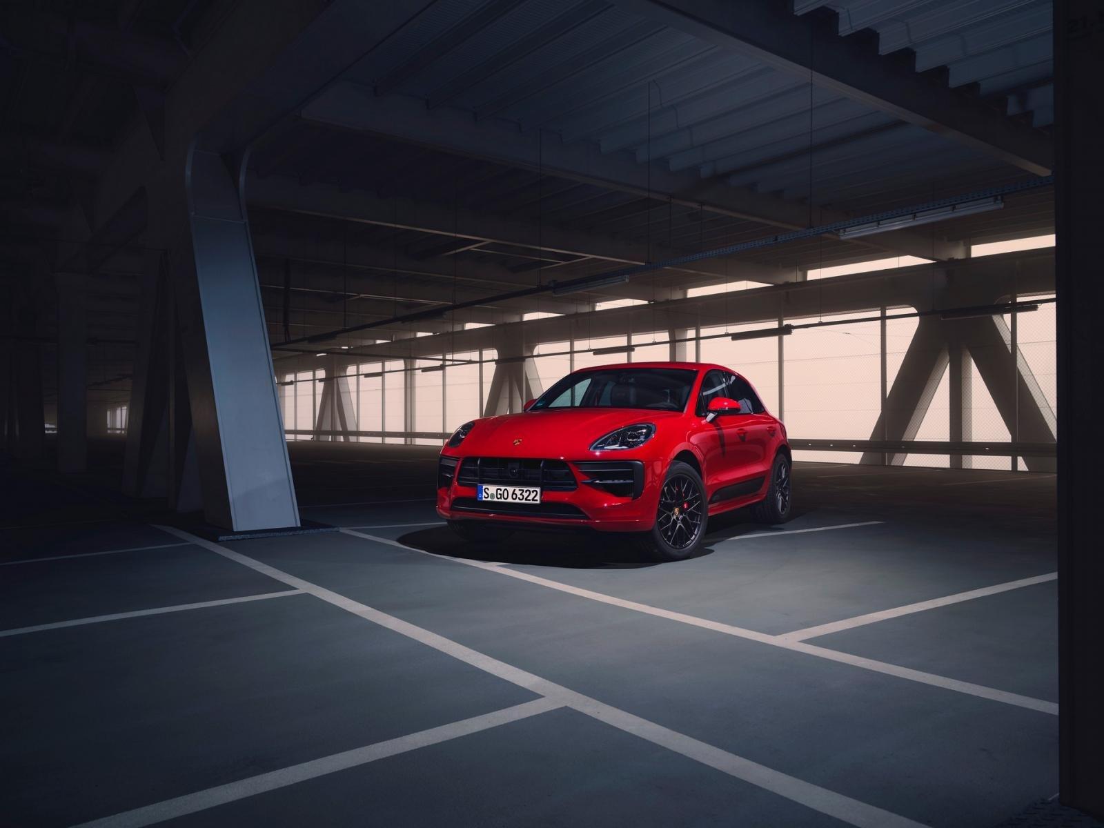Porsche Macan GTS 2020: góc 3/4 đầu xe