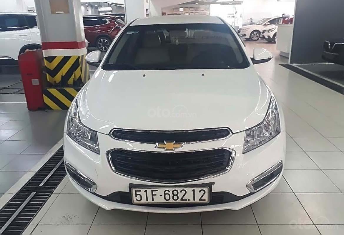 Bán Chevrolet Cruze LT 1.6 MT sản xuất năm 2016, màu trắng (1)