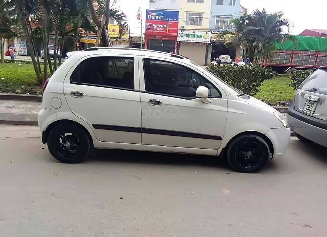 Cần bán gấp Chevrolet Spark AT năm sản xuất 2009, màu trắng như mới, giá 155tr (2)