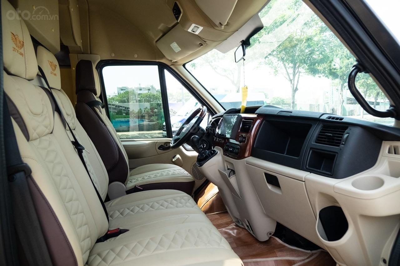 Cần bán Ford Transit Limousine cao cấp đời 2020, màu đen, giá tốt nhất thị trường (6)