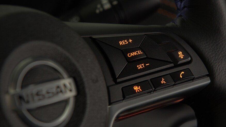 Đánh giá xe Nissan Sentra 2020 về trang bị tiện nghi: vô lăng
