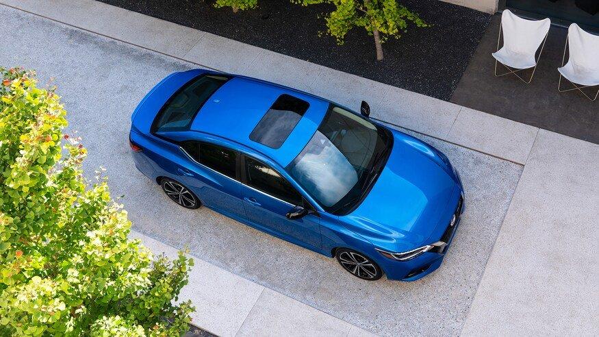 Đánh giá xe Nissan Sentra 2020: nóc mái xe