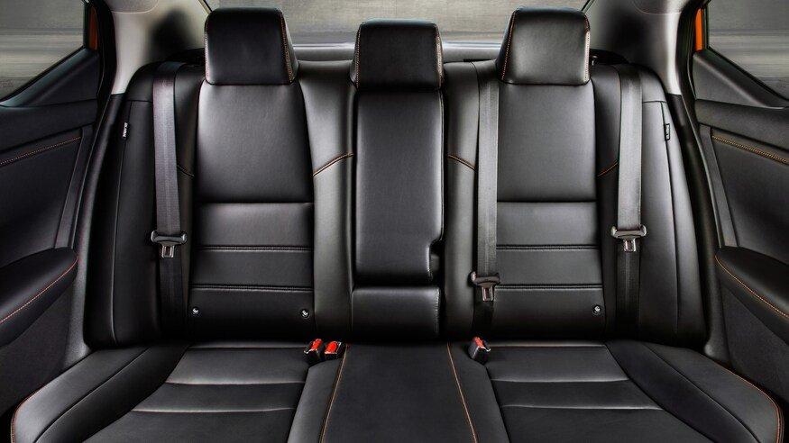 Đánh giá xe Nissan Sentra 2020 về ghế ngồi - chính diện ghế sau