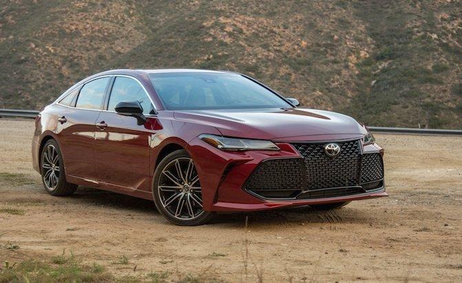 Top 10 mẫu sedan thoải mái nhất năm 2019 - Toyota Avalon