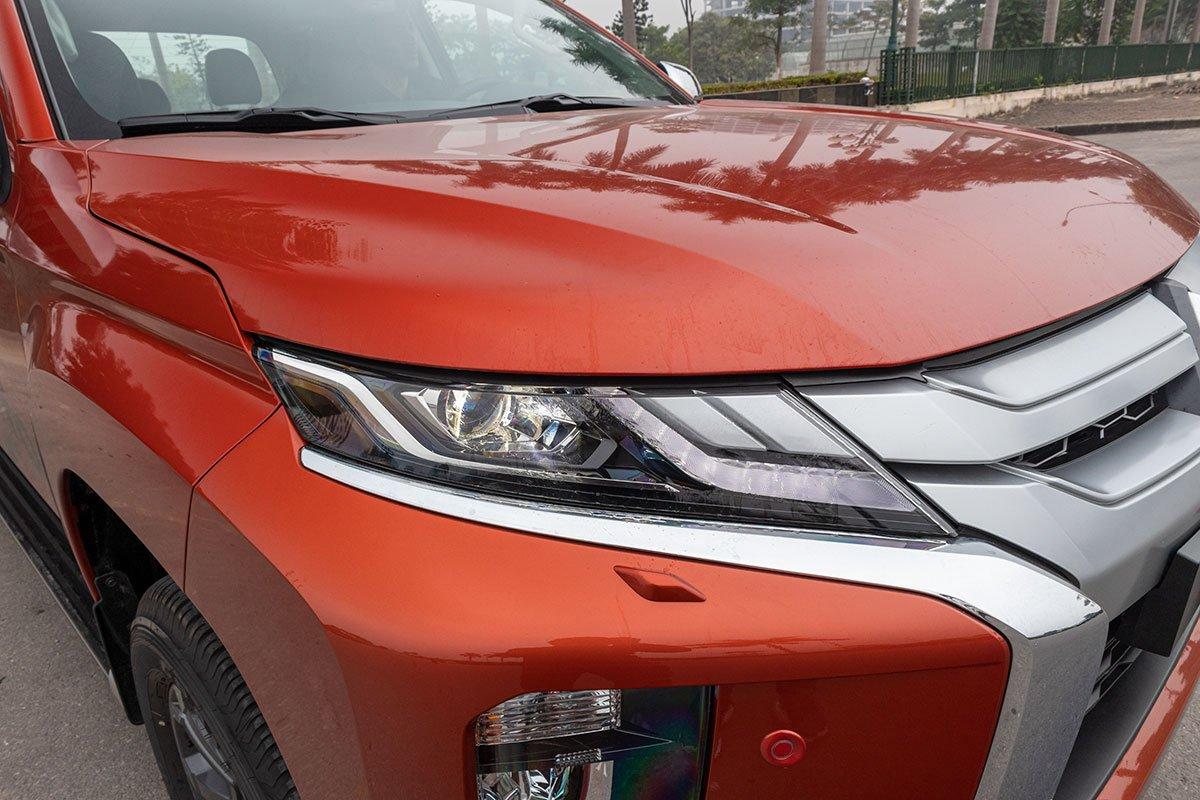 Đánh giá xe Mitsubishi Triton 2020: Đèn pha LED projector trở thành tiêu chuẩn trên tất cả các phiên bản.