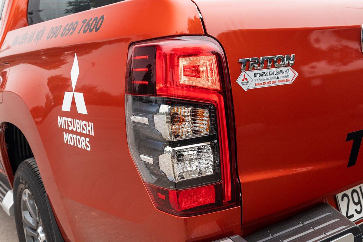 Đánh giá xe Mitsubishi Triton 2020: Cụm đèn hậu LED.