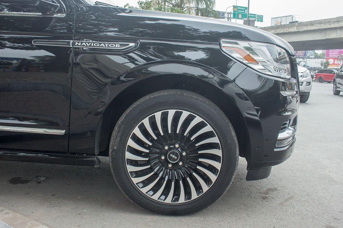 Ưu nhược điểm xe Lincoln Navigator 2019 a62