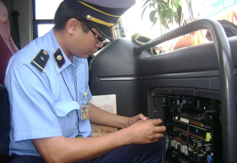 Xe kinh doanh vận tải bắt buộc phải trang bị hộp đen/thiết bị giám sát hành trình.