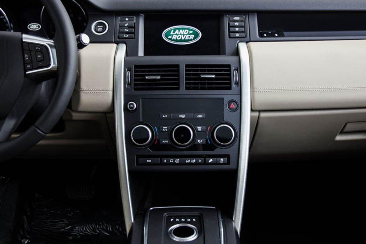 Land Rover Discovery Sport S 2020 và đời cũ khác nhau ở những điểm gì? 32