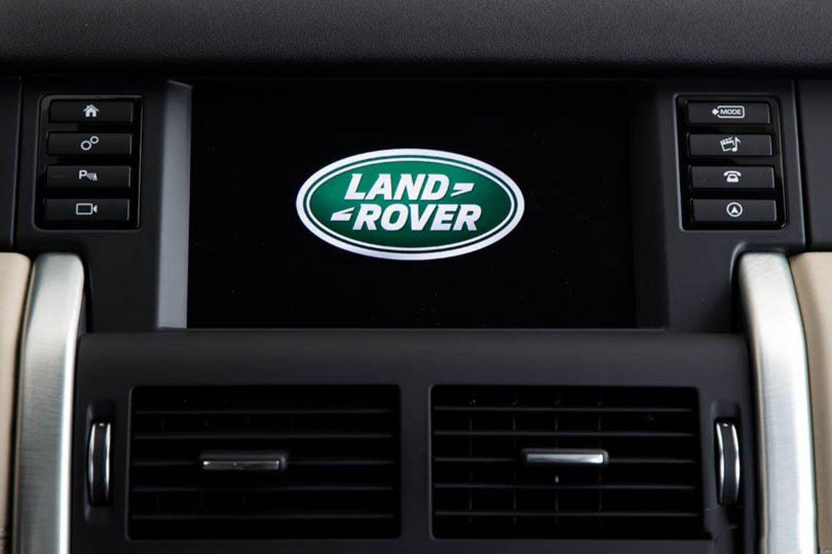 Land Rover Discovery Sport S 2020 và đời cũ khác nhau ở những điểm gì? a28
