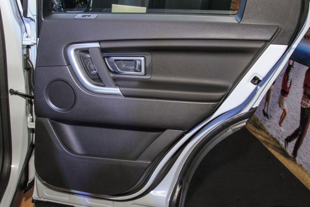 Land Rover Discovery Sport S 2020 và đời cũ khác nhau ở những điểm gì? a38