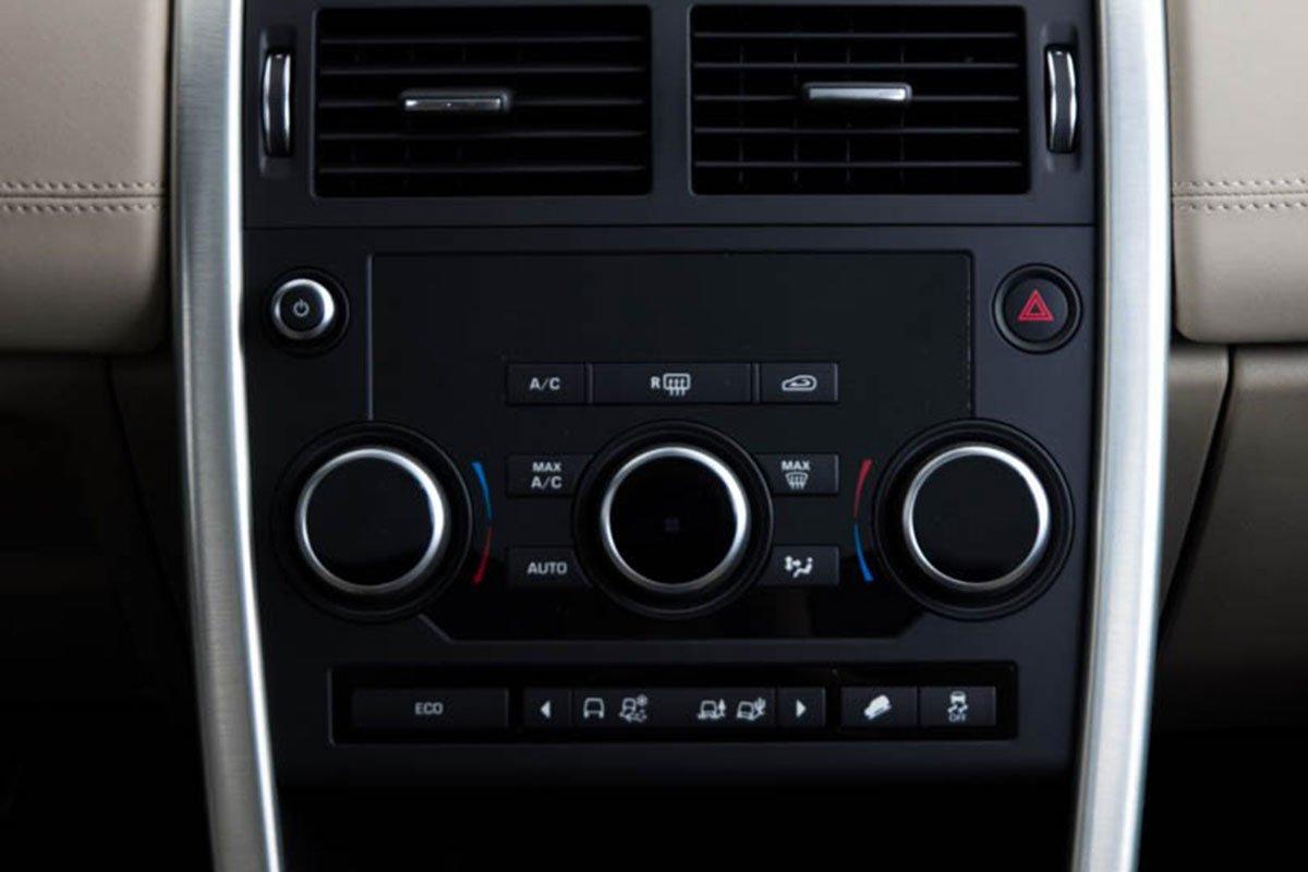 Land Rover Discovery Sport S 2020 và đời cũ khác nhau ở những điểm gì? a30