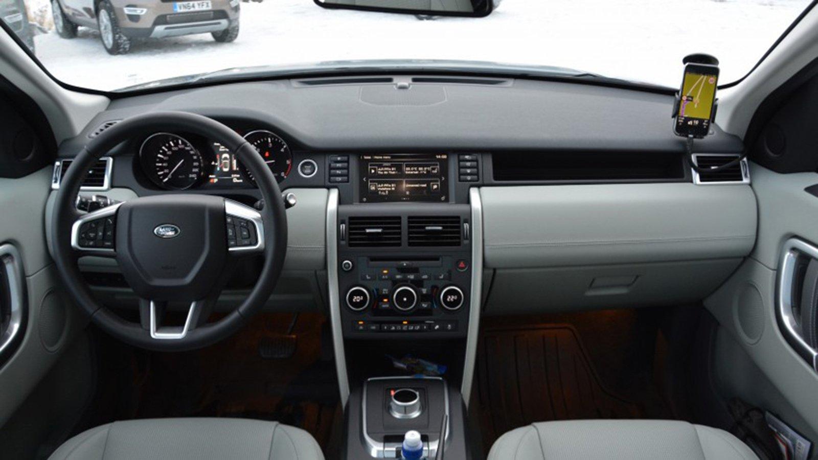 Land Rover Discovery Sport S 2020 và đời cũ khác nhau ở những điểm gì? a6