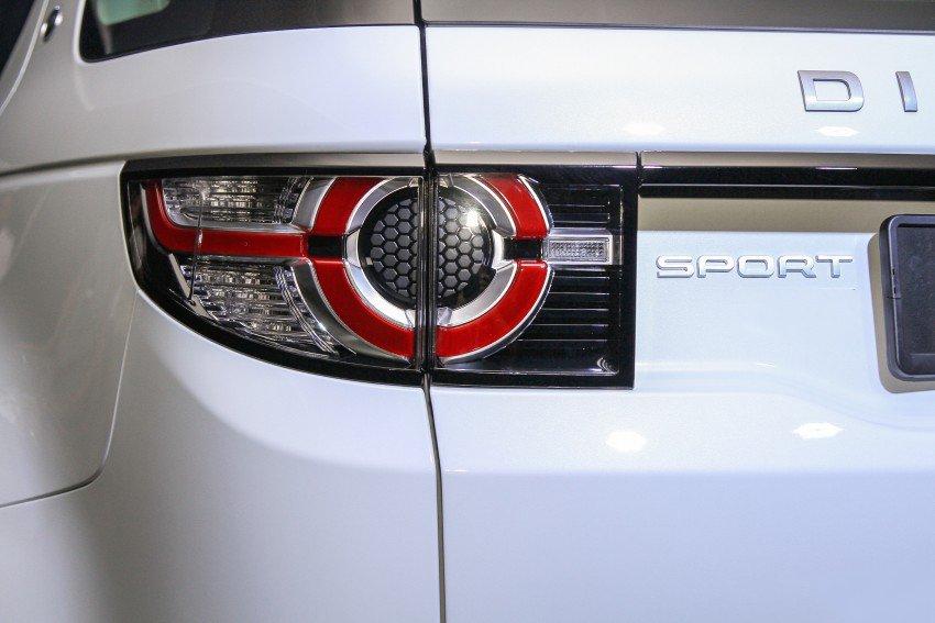 Land Rover Discovery Sport S 2020 và đời cũ khác nhau ở những điểm gì? a16