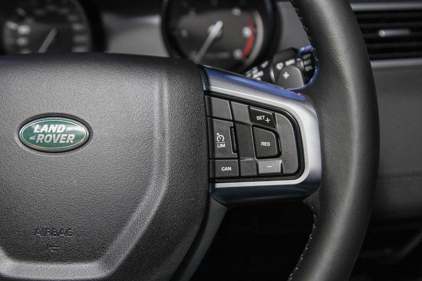 Land Rover Discovery Sport S 2020 và đời cũ khác nhau ở những điểm gì? a24