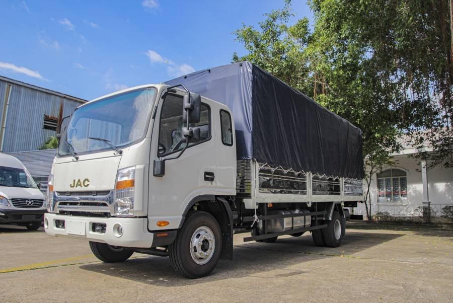 Bán chiếc xe tải JAC HFC N650 Plus 6,5 tấn thùng dài 6m2 2020 tặng tiền mặt lên đến 10tr, giao nhanh (1)
