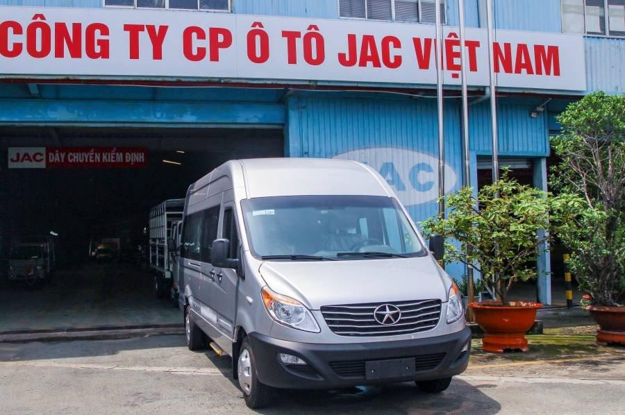 Bán xe du lịch Jac 2019, bản Solati cải tiến, màu bạc, hỗ trả góp tới 80% giá xe (2)